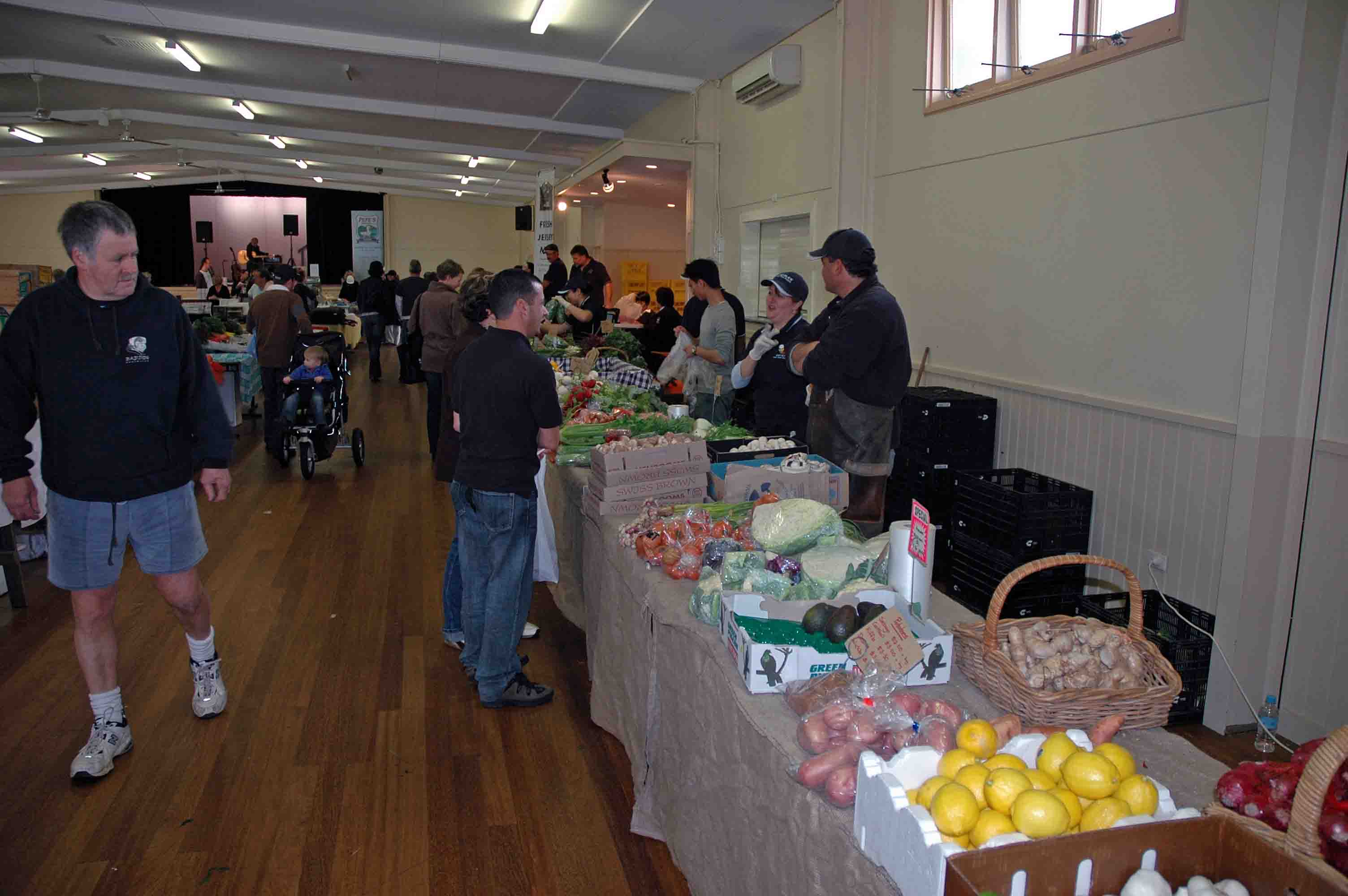 Hawkesbury Harvest Growers Market, Castle Hill, NSW (c) Edge Land Planning